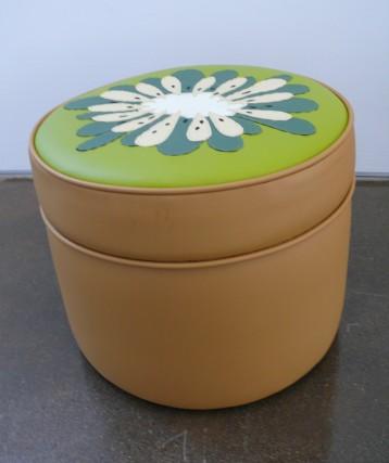 kiwi ottoman